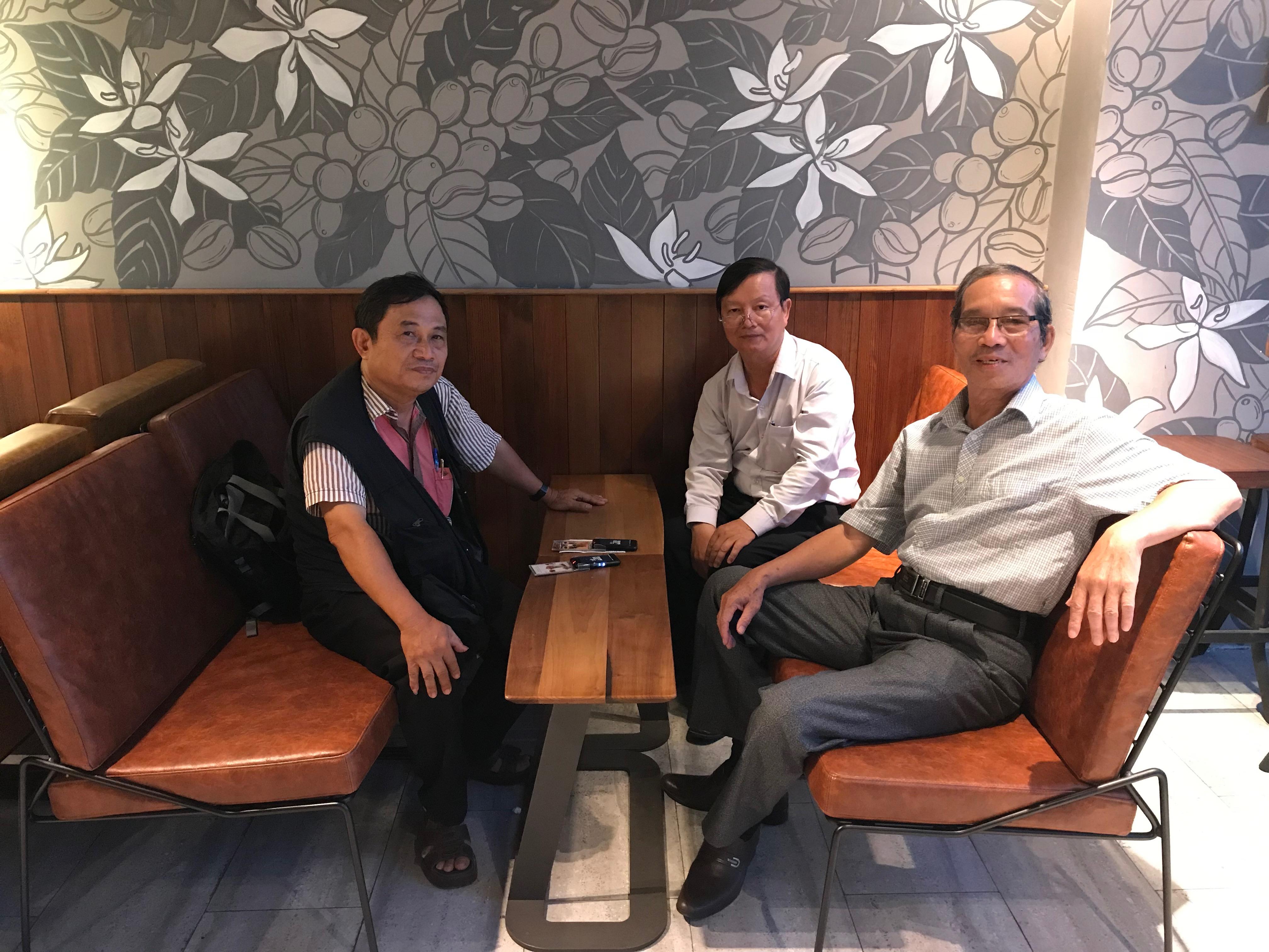 Nhà thơ Bằng Việt, nhà thơ Bùi Xuân và nhà thơ Lê Anh Dũng