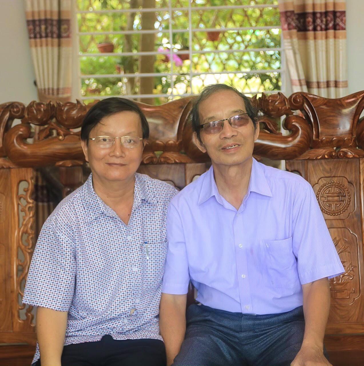 Nhà thơ Bằng Việt và nhà thơ, dịch giả Bùi Xuân (Ảnh)