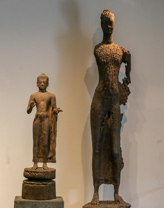 Bức tượng Phật nhỏ