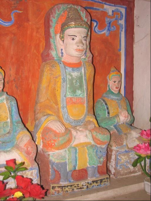 Tượng Sihva ngồi trên bệ chạm khắc hình tượng bò Nandi