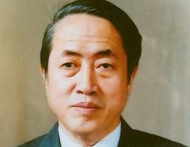 Giáo sư, Nhà giáo Nhân dân Hà Văn Tấn làChủ nhiệm Bộ môn Phương pháp luận sử học, Khoa Lịch sử (1982 - 2009);Viện trưởng Viện Khảo cổ học (Viện Hàn lâm Khoa học Việt Nam) (1988-2008)