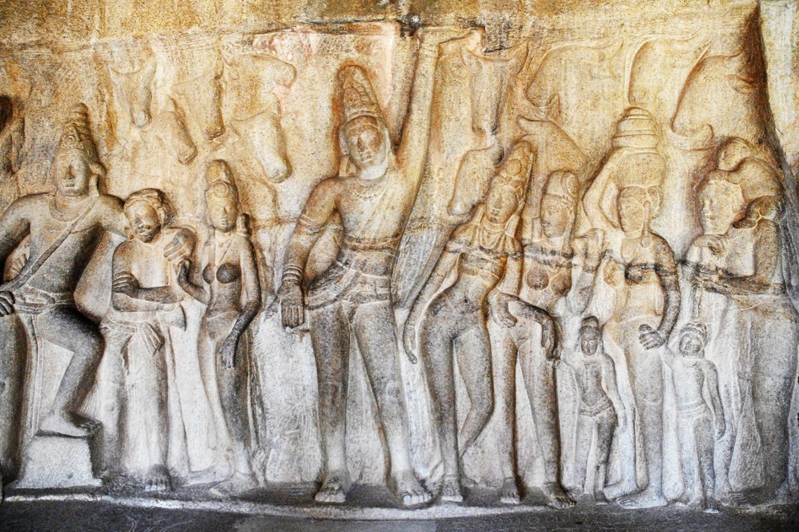 Phù điêu thần Krishna-Govardhana của ngôi đền Mahabalipuram, thế kỷ thứ VII, tại Nam Ấn Độ.