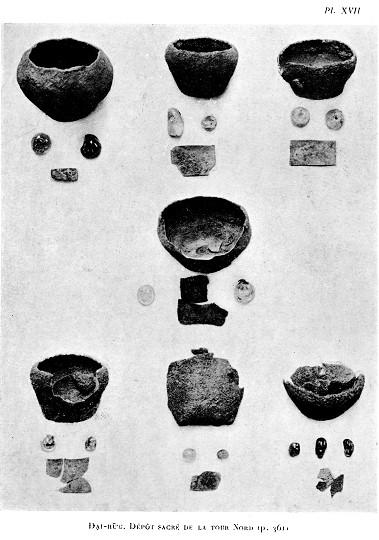 Ảnh 3 Các hiện vật trong hố thiêng tháp Bắc, Đại Hữu (Arousseau 1926: Pl XIV, XVII)