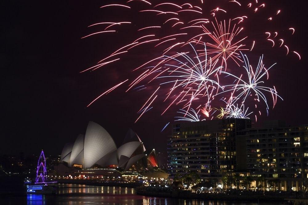 Màn pháo hoa mãn nhãn trên bầu trời Sydney