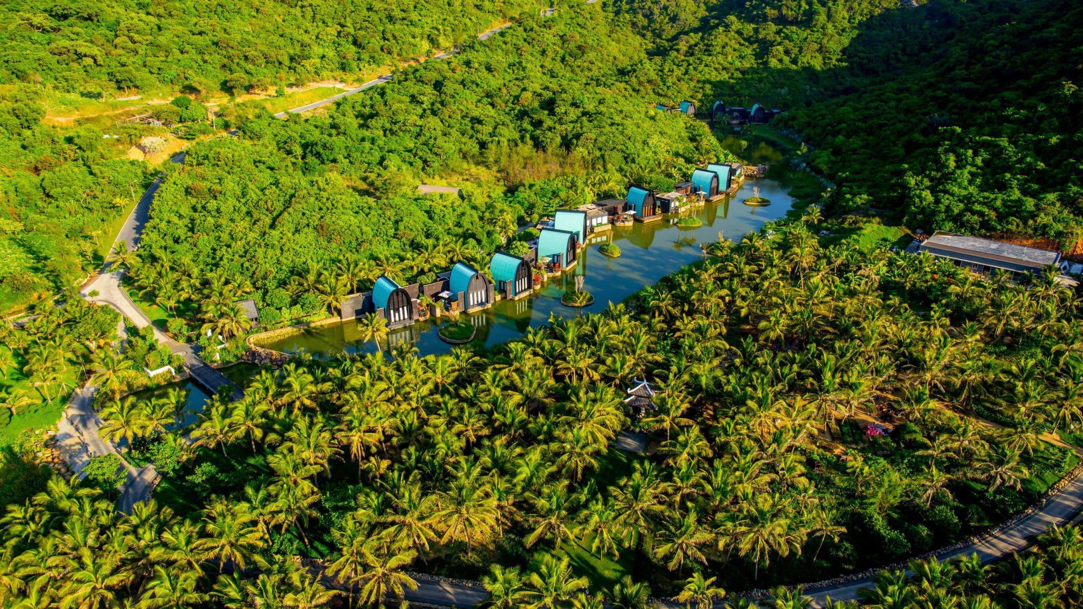 InterContinental Danang Sun Peninsula Resort cũng là nơi du khách có thể hòa mình vào thiên nhiên