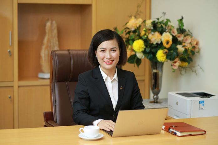 Phó Chủ tịch HĐQT kiêm Tổng Giám đốc (TGĐ) Bùi Thị Thanh Hương