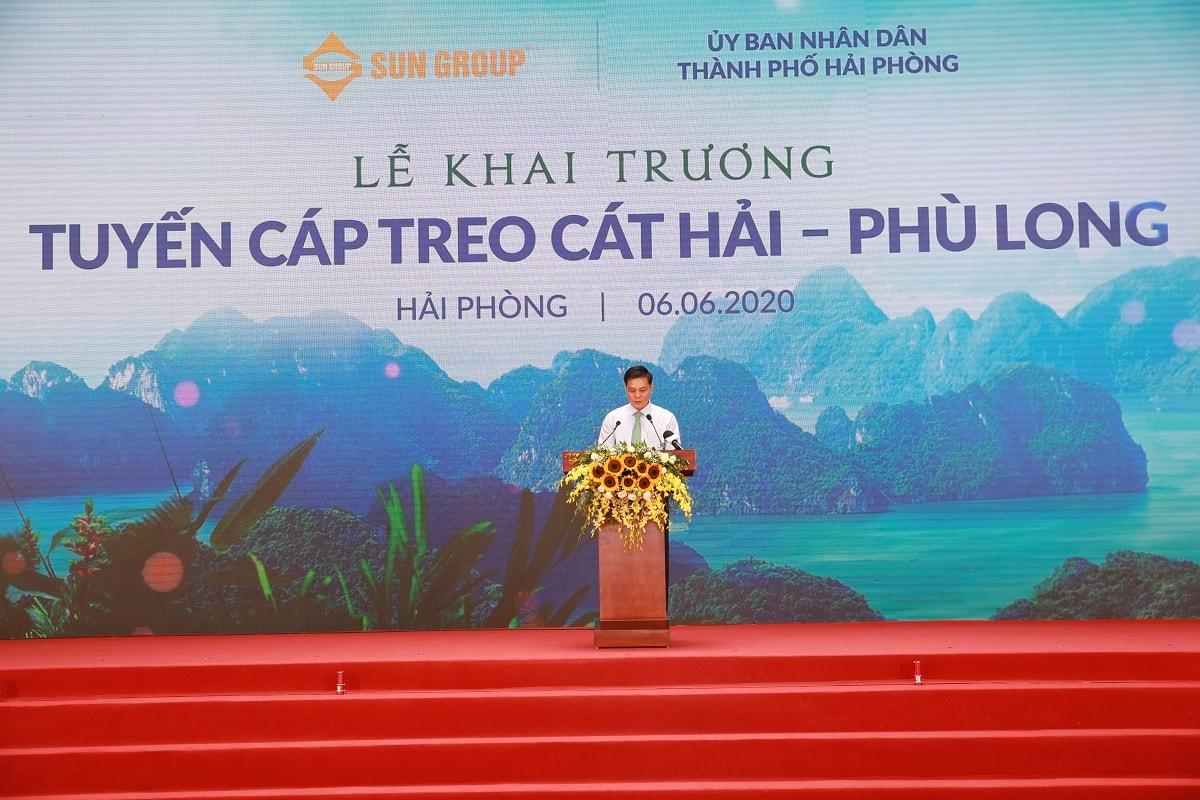 Chủ tịch UBND thành phố Nguyễn Văn Tùng phát biểu tại Lễ khai trương