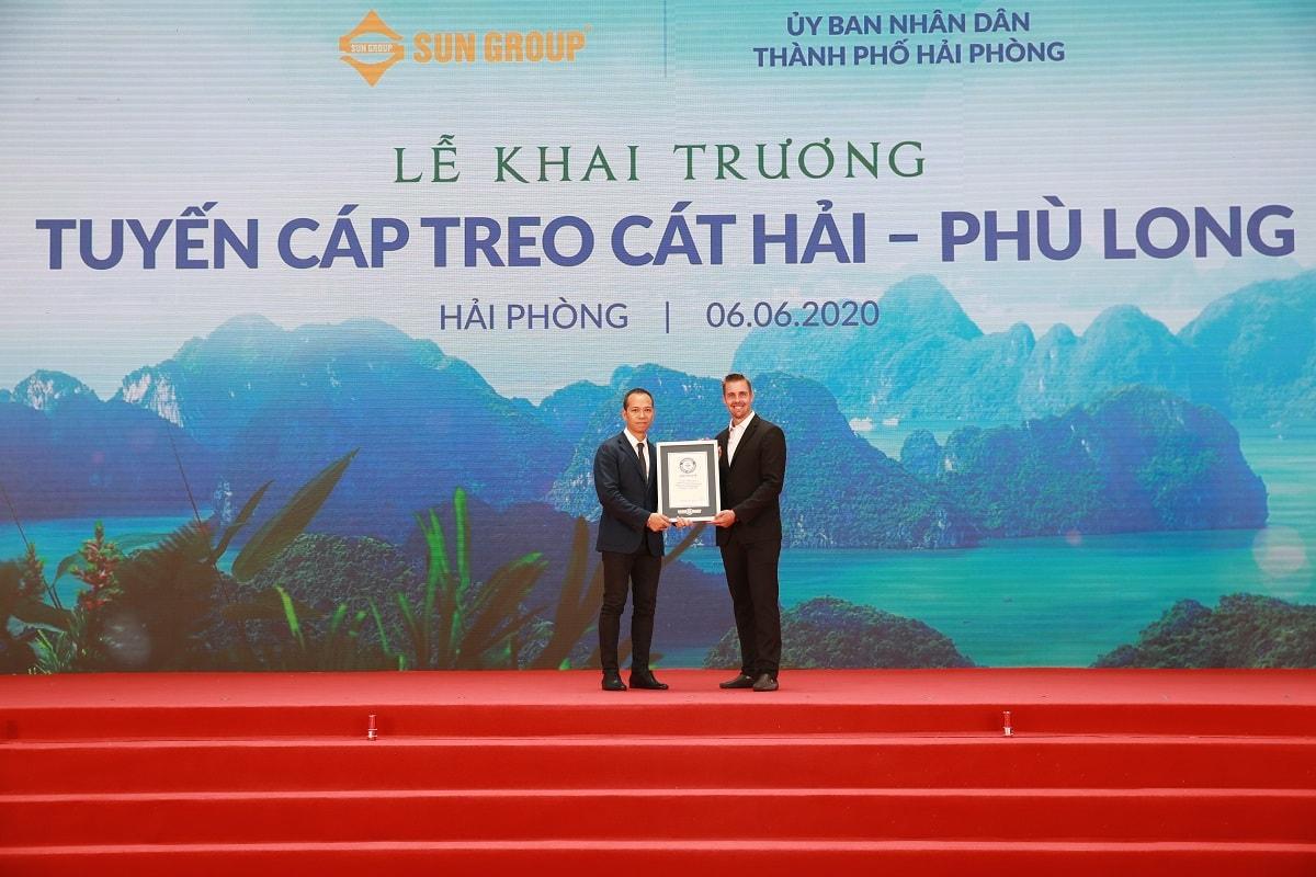 Tổ chức Kỷ lục Guinness trao chứng nhận cho Tập đoàn Sun Group