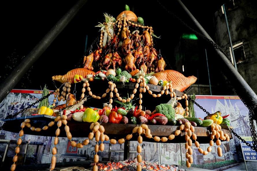 Đêm Bà Nà - khám phá thiên đường ẩm thực với buffet hơn 70 món Á, Âu