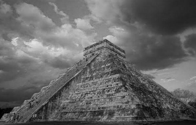 Nghệ thuật Maya khoảng từ năm 200 đến 900 TCN