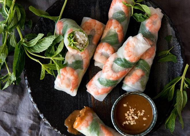 Với lợi thế có bờ biển trải dài, nguồn thủy - hải sản phong phú nên món ăn Việt Nam đa dạng