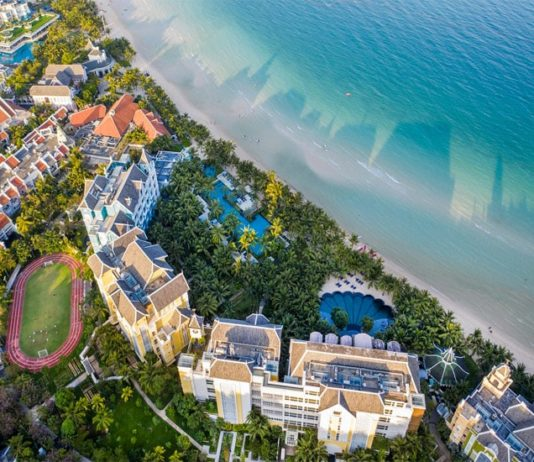 """Khu nghỉ dưỡng 5 sao JW Marriott Phu Quoc Emerald Bay chào hè với """"ưu đãi kép"""" chưa từng có"""