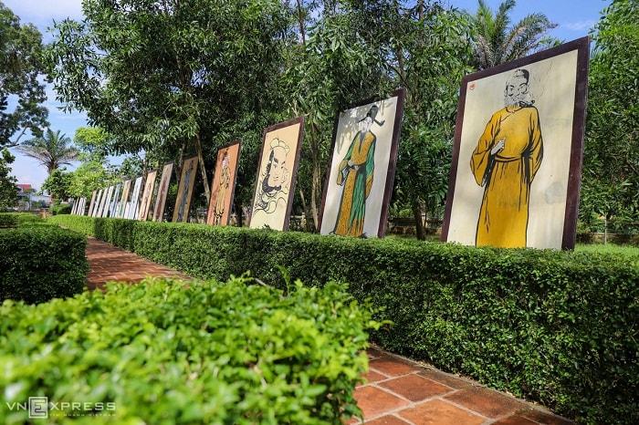 Dịp này, Sở Văn hóa Thể thao và Du lịch Hà Tĩnh tổ chức triển lãm tranh minh họa Truyện Kiều và các ấn phẩm di sản văn chương của Nguyễn Du.
