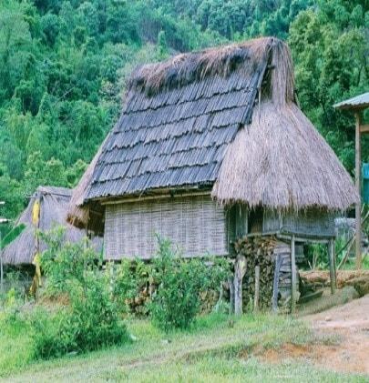 Nhà ở Cơ Tu tại thôn Công Dồn, Tây Giang