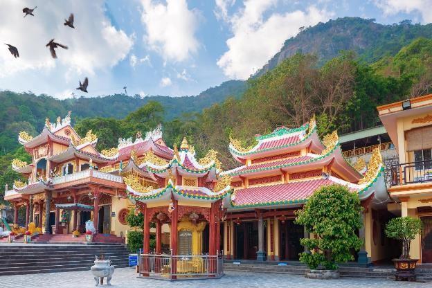 Chùa Bà Đen nổi tiếng là ngôi chùa linh thiêng và huyền bí trong quần thể chùa chiền, miếu mạo tại Núi Bà từ rất lâu đời, được người dân Tây Ninh coi như một điểm tựa vững chãi về tâm linh.