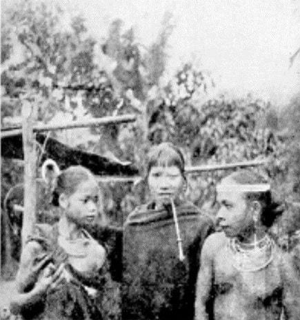 Trang sức phụ nữ năm 1938 )