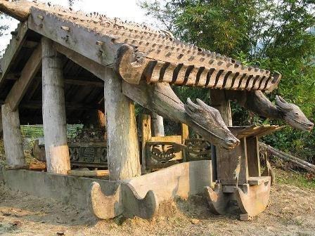 Nhà mồ Cơ Tu tại xã A Ting, huyện Đông Giang (Ảnh: St)
