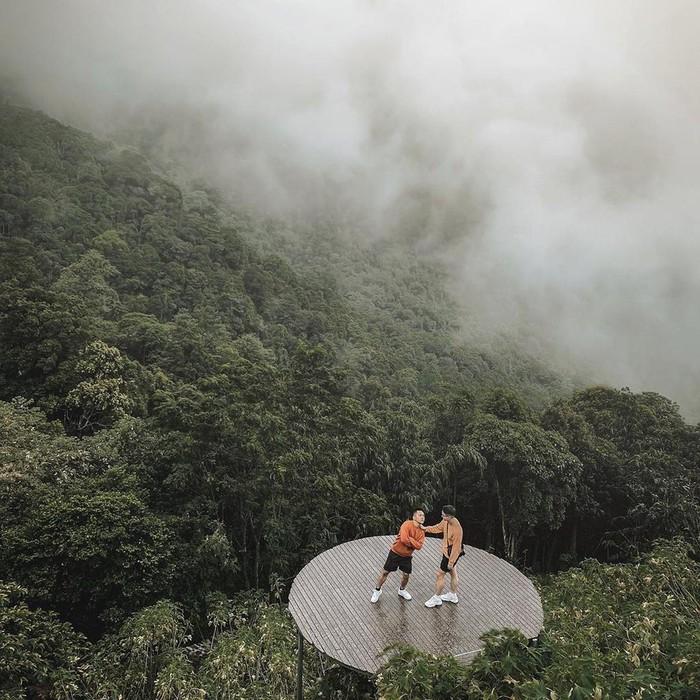 Thời gian trong ngày lý tưởng để chụp những bức hình cùng mây trời ở Tam Đảo là buổi sáng sớm. Ảnh: Thangcuoi.93, Duc_duong97.