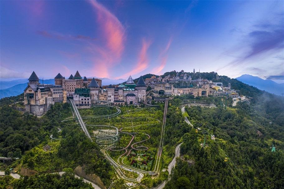 """Sun World Ba Na Hills - """"Điểm đến du lịch hấp dẫn hàng đầu Việt Nam"""" do Tổng cục Du lịch Việt Nam vinh danh"""