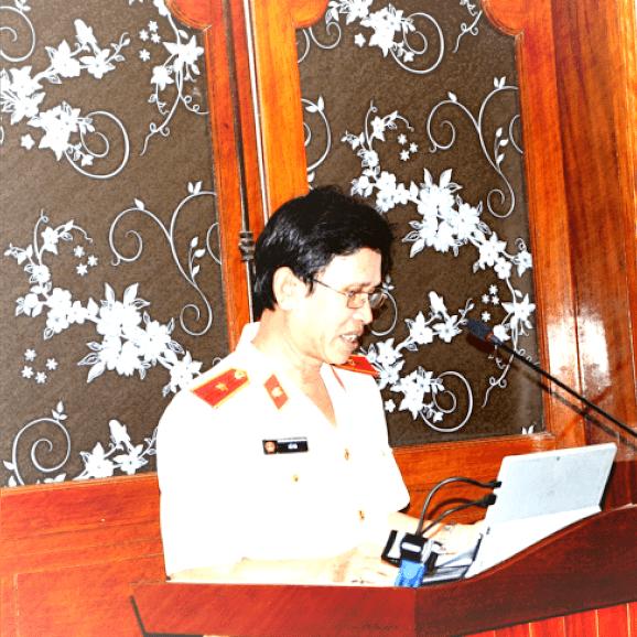Lê Lộc Tân (Lê Ra) - Tiến sĩ Luật, Kiểm sát viên cao cấp, Viện trưởng Viện Thực hành quyền công tố và kiểm sát xét xử án hình sự Viện kiểm sát nhân dân cấp cao tại Đà Nẵng