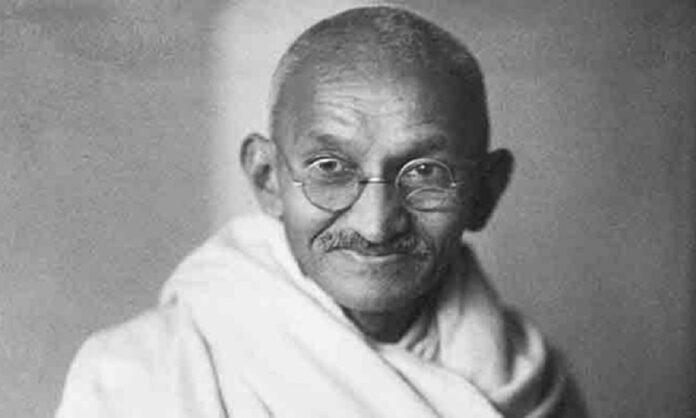 Triết lý tối giản đậm tính thời đại của Mahatma Gandhi